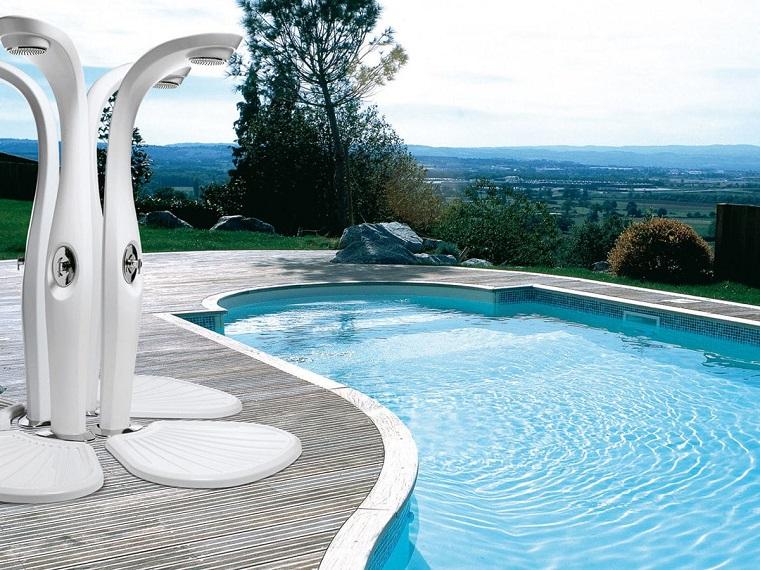 doccia da giardino-elegante-stile-moderno