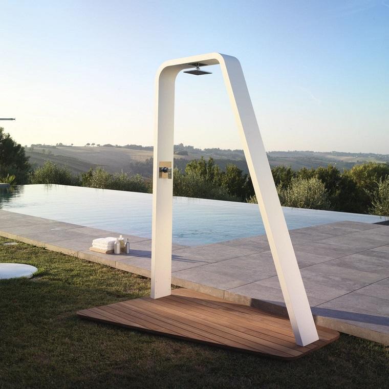 Doccia da giardino un tocco di classe e modernit al - Giare da giardino ...