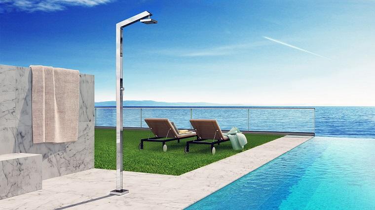 Doccia da giardino un tocco di classe e modernit al for Arredo piscina