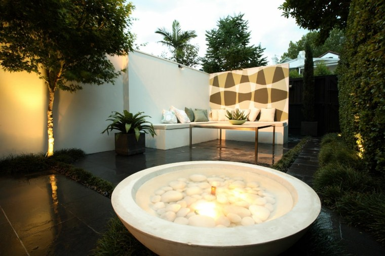 fontana-da-giardino-forma-rotonda-pietre