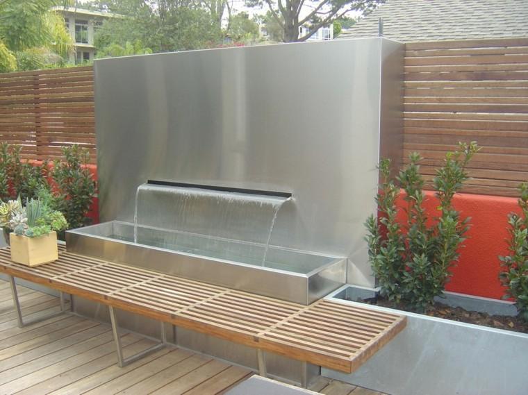 fontanelle-da-esterno-panchina-legno