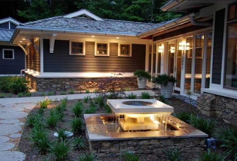 fontanelle-da-giardino-illuminazione-originale
