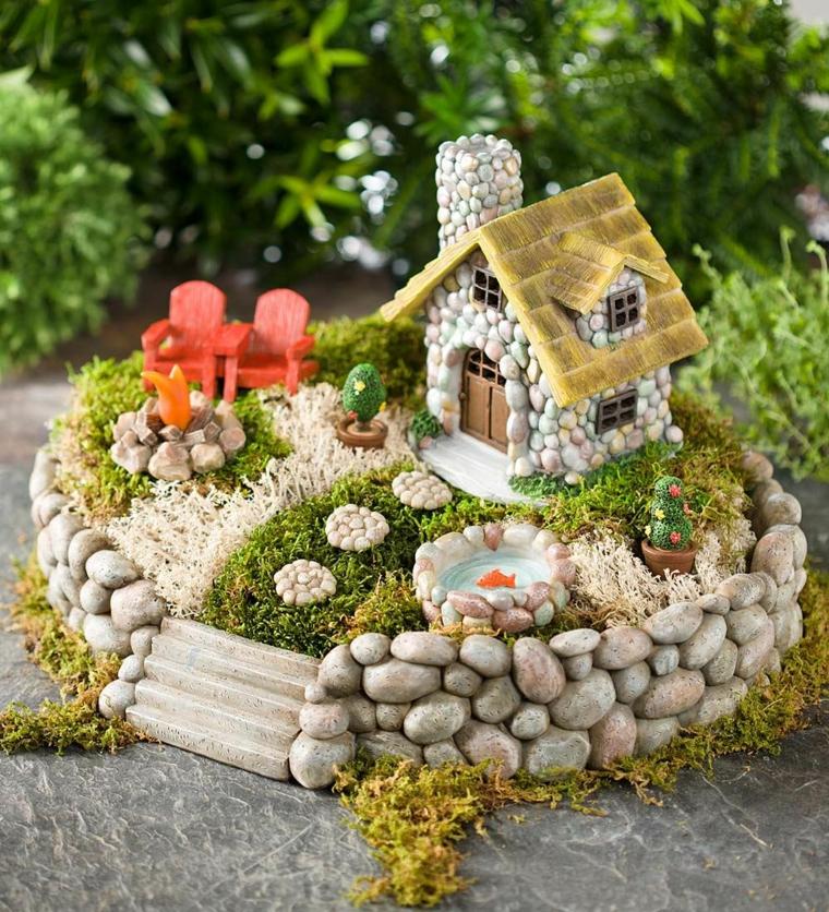 giardini in miniatura-casetta-recinto-roccia