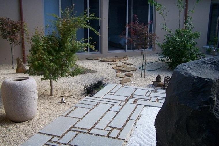 giardini-rocciosi-stile-minimal-pavimentazione-esterno