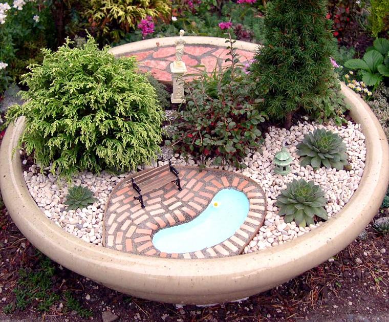 giardino-in-miniatura-laghetto-panchina