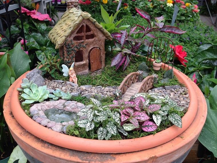 giardino-in-miniatura-vaso-casetta-piante