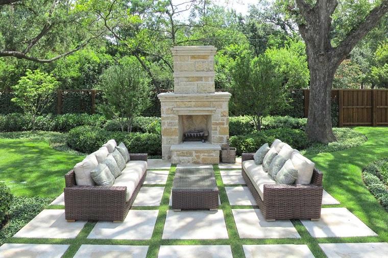 giardino moderno-camino-rustico-divani