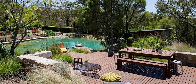 giardino-moderno-zona-patio-piscina-