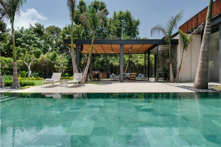 giardino-originale-particolare-stile-tropicale