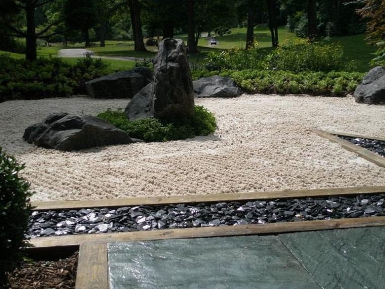giardino roccioso-ghiaia-roccia-grande