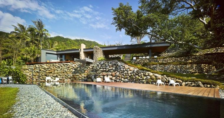giardino-roccioso-particolare-originale-piscina