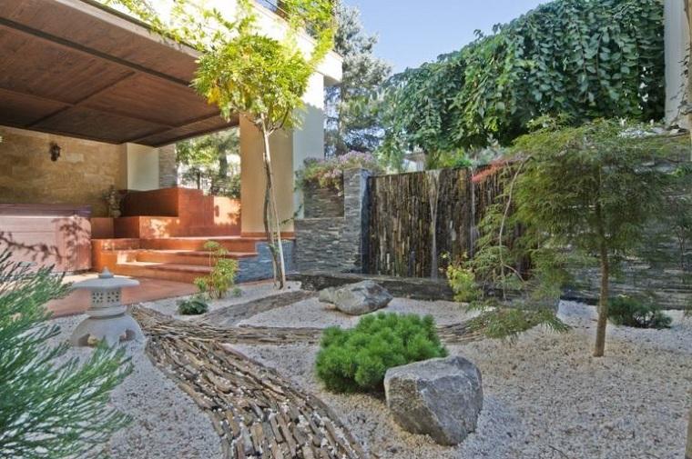 giardino roccioso-scalini-piante