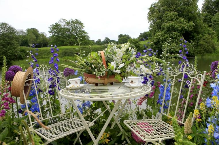 giardino-shabby-chic-arredamento-mobili-ferro