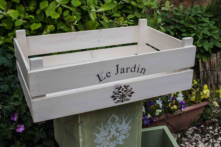 Giardini shabby chic e il fascino irresistibile di questo - Shabby chic giardino ...