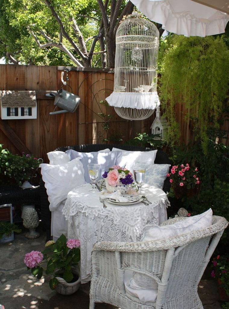 giardino-shabby-chic-decorazioni-mobili