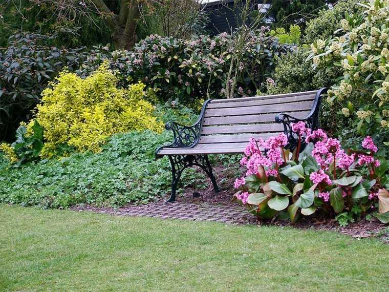 giardino-shabby-chic-idea-panchina-fiori