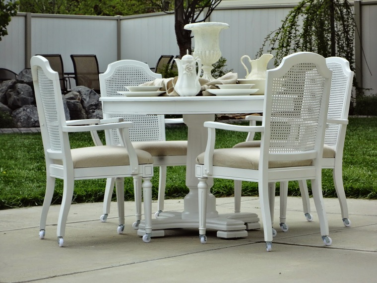 giardino-shabby-chic-set-mobili-legno-eleganti