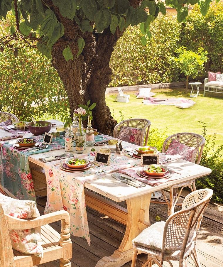 Giardini shabby chic e il fascino irresistibile di questo - Giardini country ...