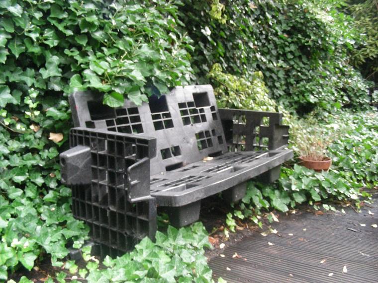 idee-giardino-fai-da-te-casse-plastica