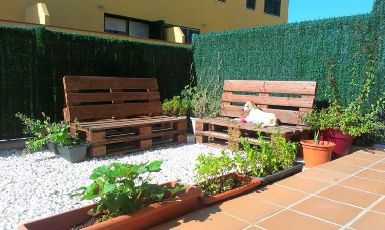 idee-originali-particolari-giardino-pancine-particolari