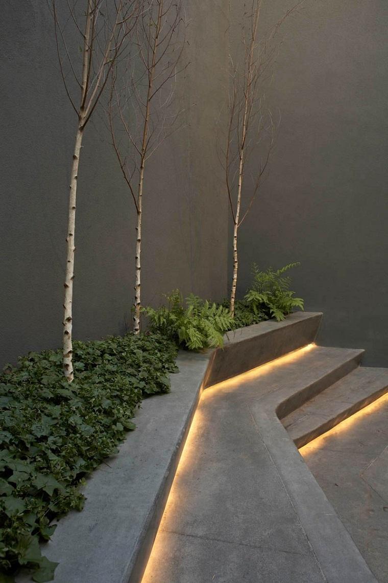 illuminazione-giardino-arredamento-esterno-moderno