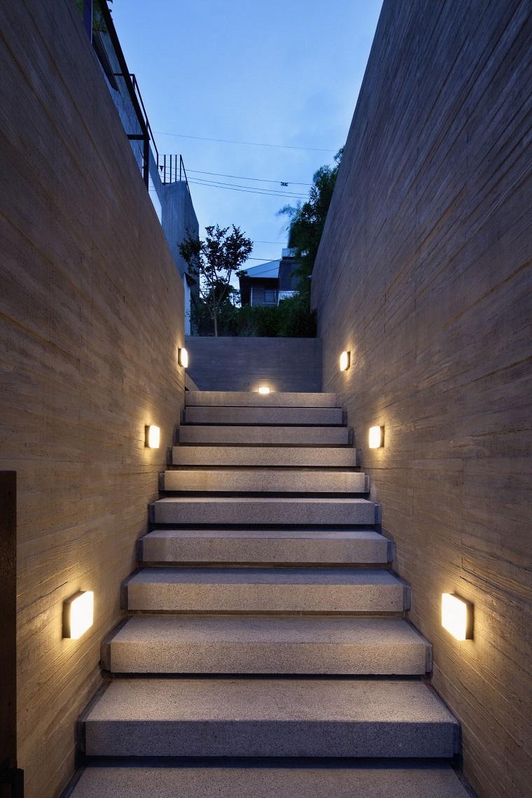 illuminazione-giardino-idea-originale-scale