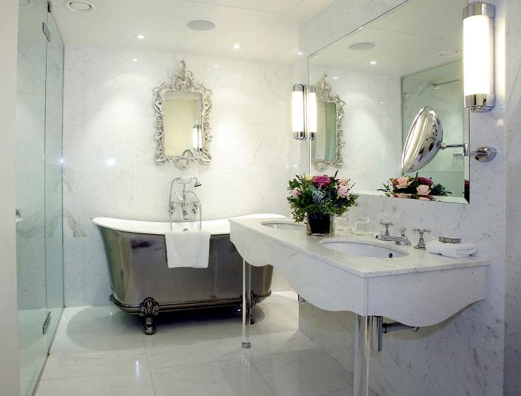 Lampadari per bagno: non è solo una questione di luce! archzine.it