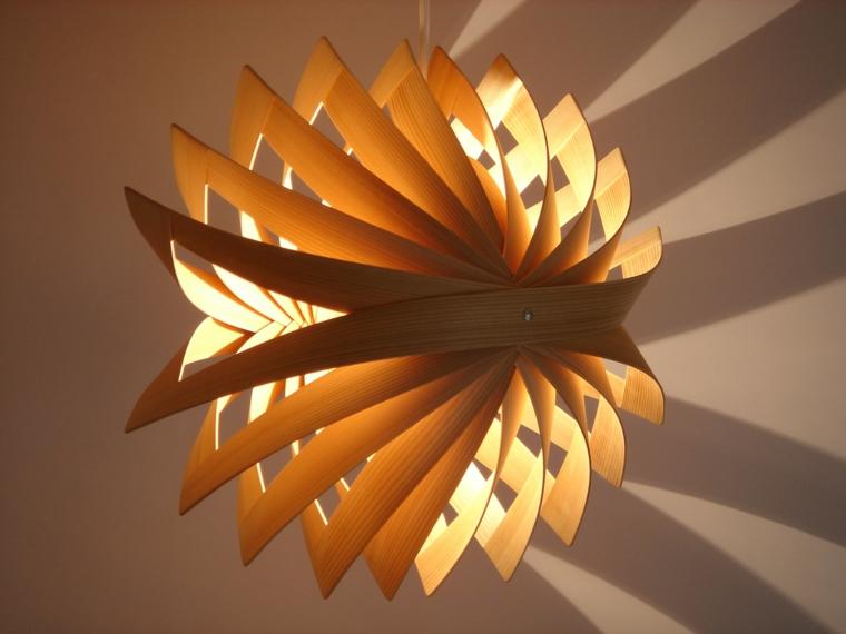 lampadario-originale-particolare-moderno-legno