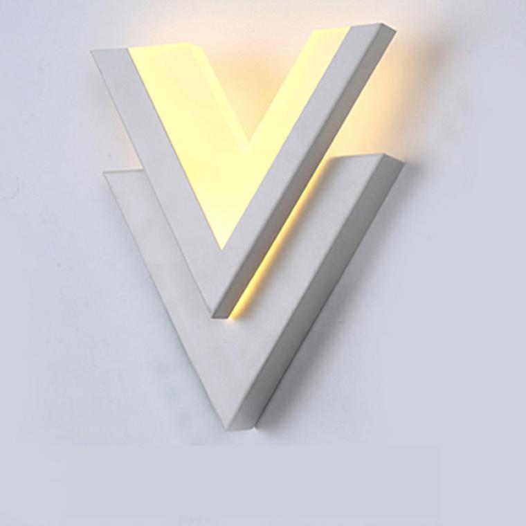 lampadario-particolare-moderno-proposta-parete