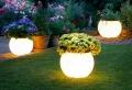 Lanterne da esterno: come illuminare il giardino con originalità
