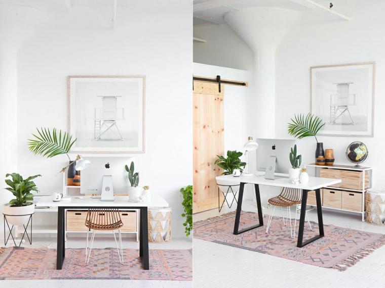 Ufficio in casa, stanza con scrivania e porta scorrevole in legno, pavimento parquet con tappeto