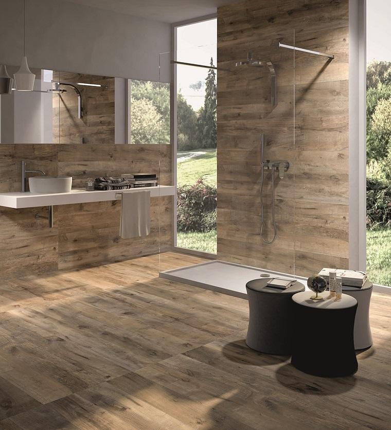 parquet-legno-chiaro-bagno-moderno