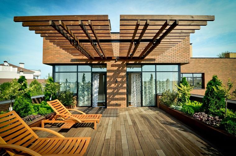 pavimentazione giardino-liste-legno-teak