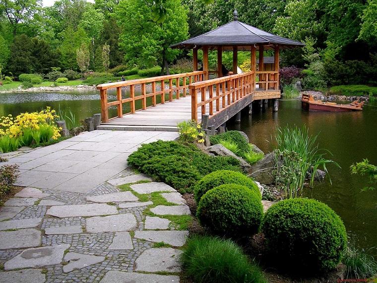 pavimento-giardino-vialetto-mottonelle-grandi-piccole