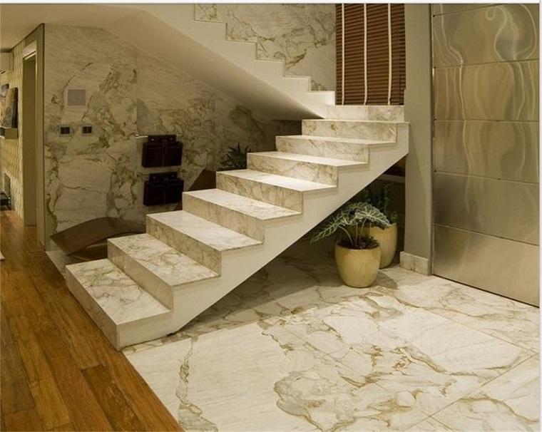 pavimento-marmo-scalini-legno