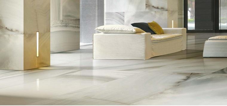 pavimento-marmo-soluzione-toanlita-chiare-soggiorno