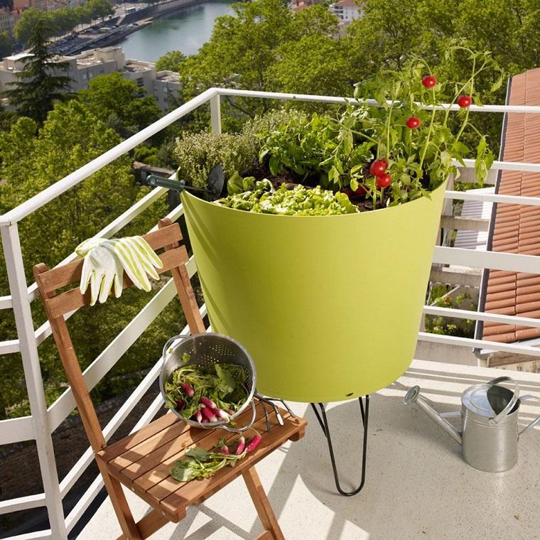 Piante per balconi tutte le soluzioni per un angolo for Piante balcone