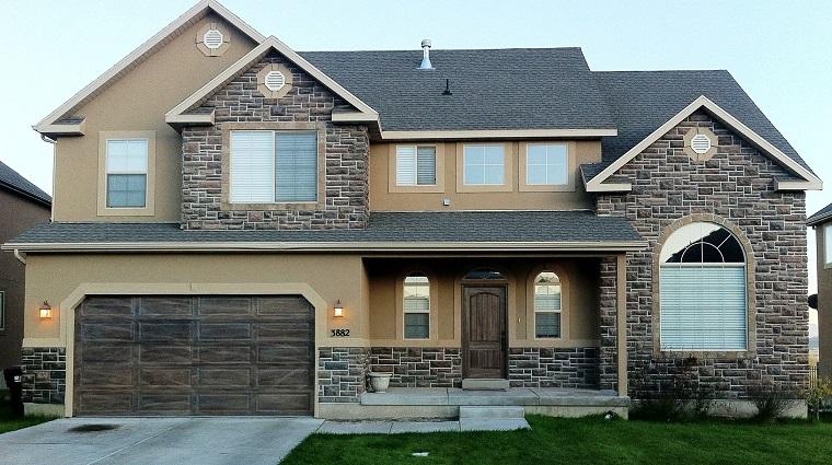 pittura esterna casa-idea-marrone-chiaro