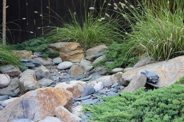 rocce-decorare-giardino-modo-originale