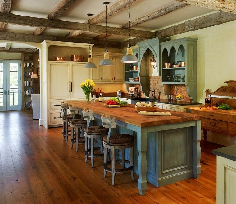 stile-rustico-cucina-mobili-legno-azzurro