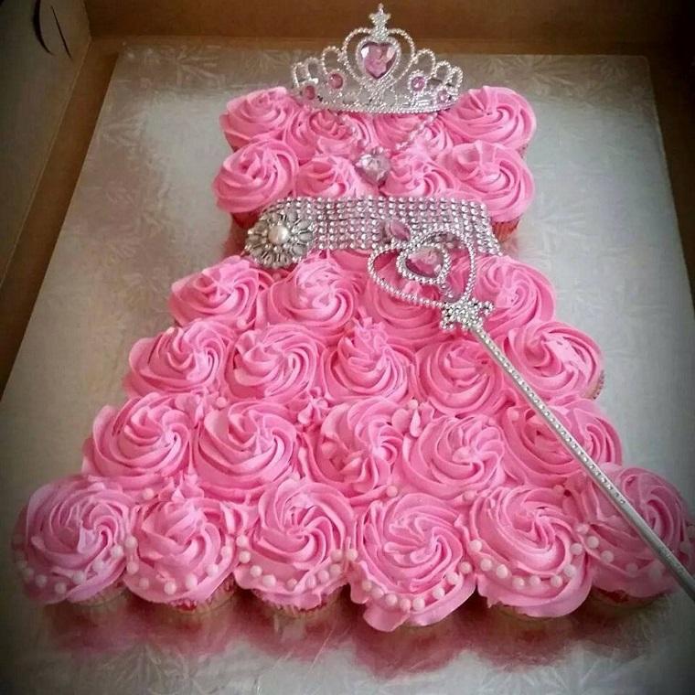 torta-principesse-forma-vestito-rosa