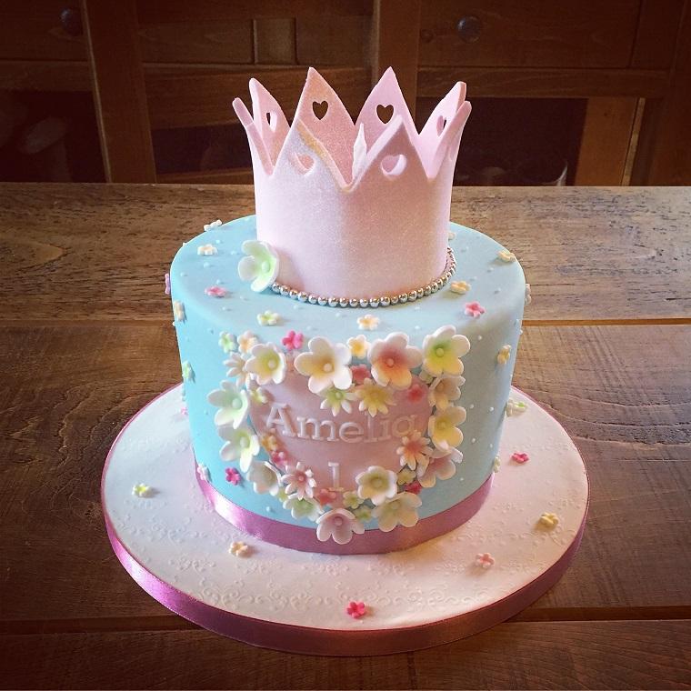 torte di principesse-glassa-corona-rosa