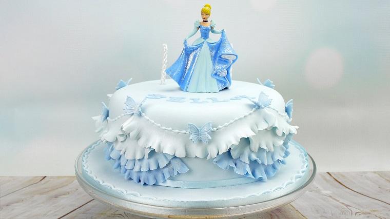 torte di principesse-idea-colore-azzurro
