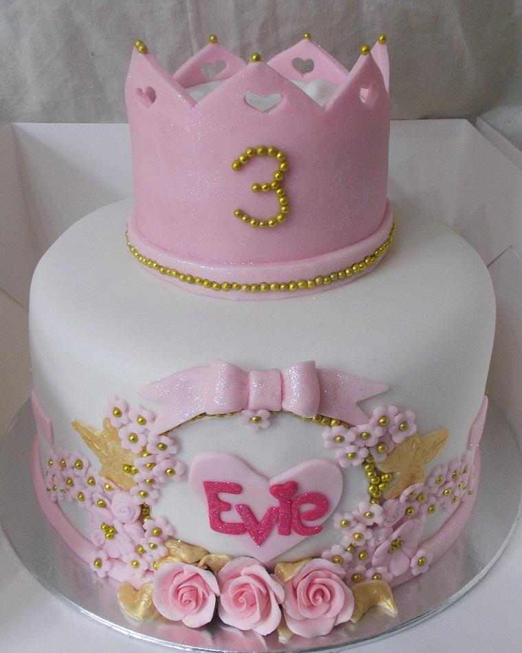 torte-principesse-due-piani-corona-terzo-compleanno