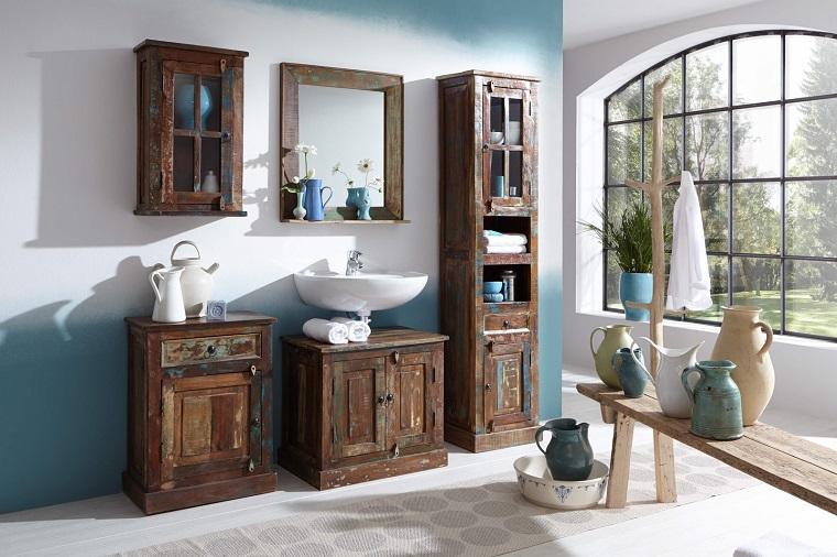 Bagno vintage ritorno al passato attraverso mobili dal design