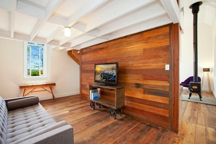 arredamento-soggiorno-stile-rustico-parete-pallet