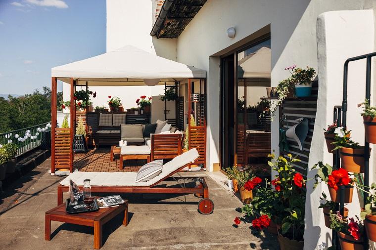 arredamento-terrazzo-grande-mobili-legno