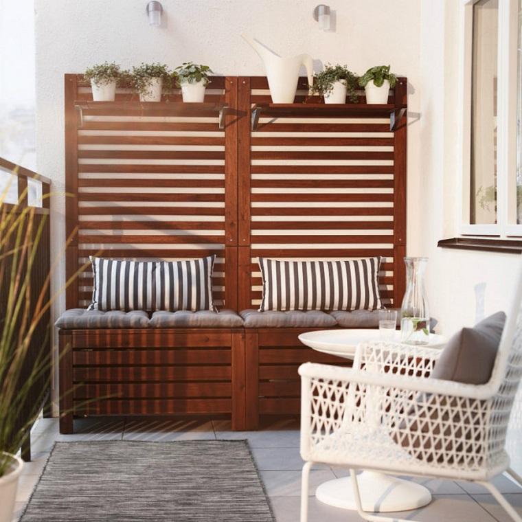 arredamento-terrazzo-mobili-legno-soluzione-storage