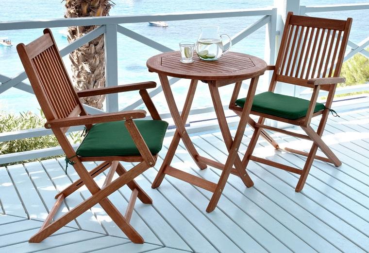 arredamento terrazzo-semplice-mobili-legno