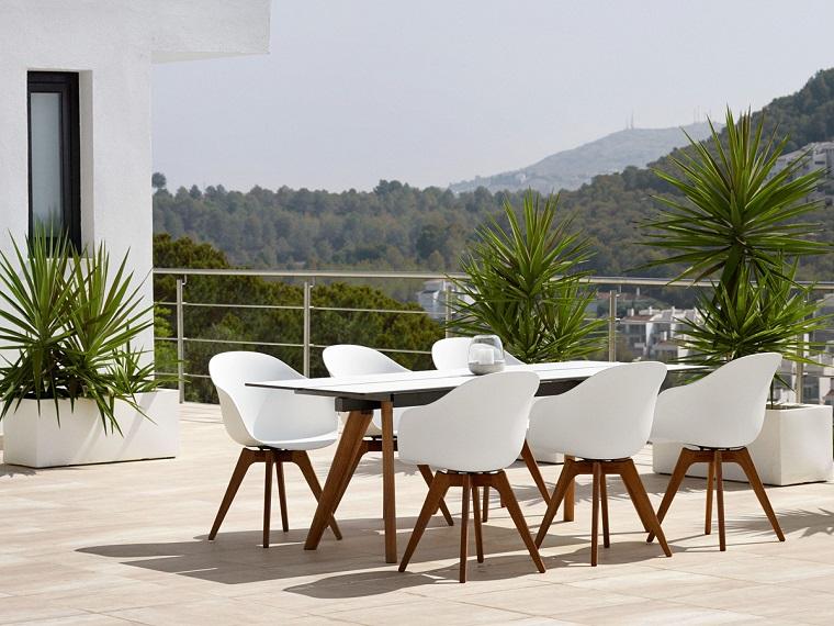 arredamento terrazzo-stile-moderno-mobili-design